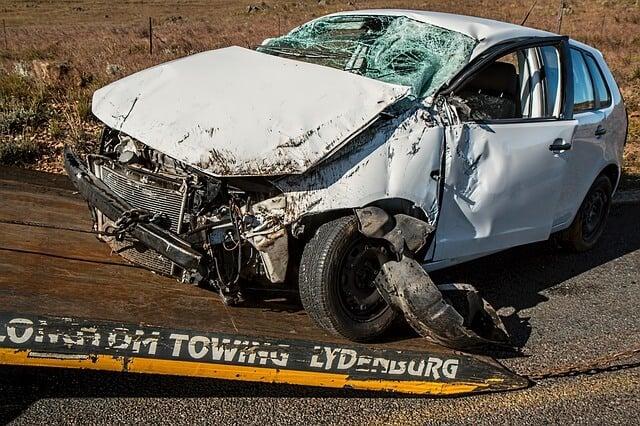 交通事故を起こした車両